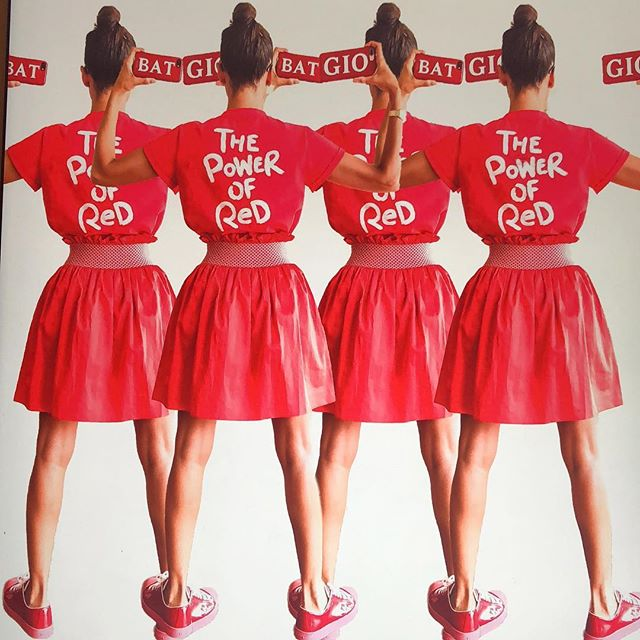 RED is Back  #thepowerofred   @myfavcolorisshopping  #gio_graphy Red Rules