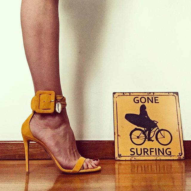 Uhhhhhm can you feel it? Spring is coming and I m ready.   @aquazzura #yellowisback    #gonesurfing