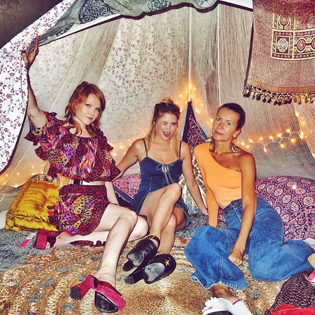 Three girls in a tipi, flash, no flash     #aboutlastnight #tipi #tent #paramourestate #party #joostricot #guava #shouldergamestrong #nataliejoos