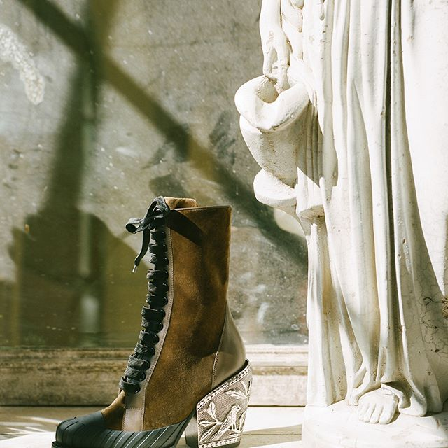 A statuesque vision of the Rylee Baroque boot with its engraved metal Western heel and sturdy rubber front   part of a special series by @SoItGoesMag Pre-order #FW18 looks on chloe.com #chloeGIRLS Photography by  James Wright @JamieWright84 and @SoItGoesMag, styling by @Felicia_Gr, production by @Johnny_Pascucci at @PhotoBombProduction, hair by @SabrinaSzinay, make-up by @LauraStiassni