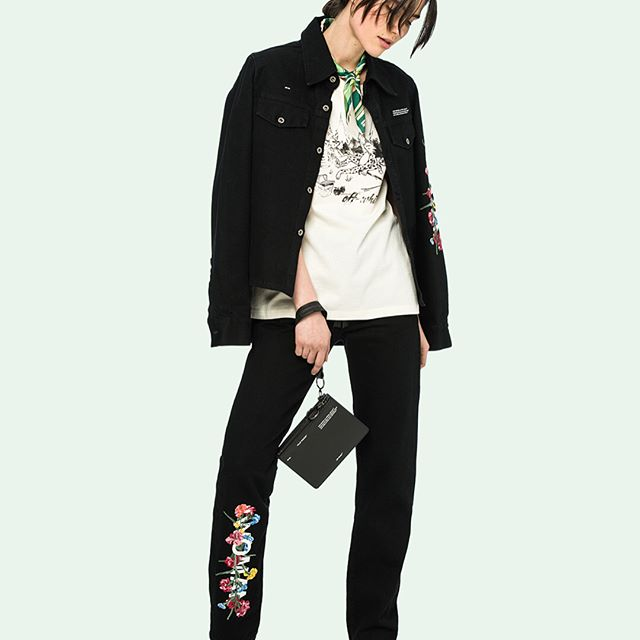 pre-fall 18 women s Off-White  embroidered denim, graphic tee, wallet and short heel on-line. link in bio.