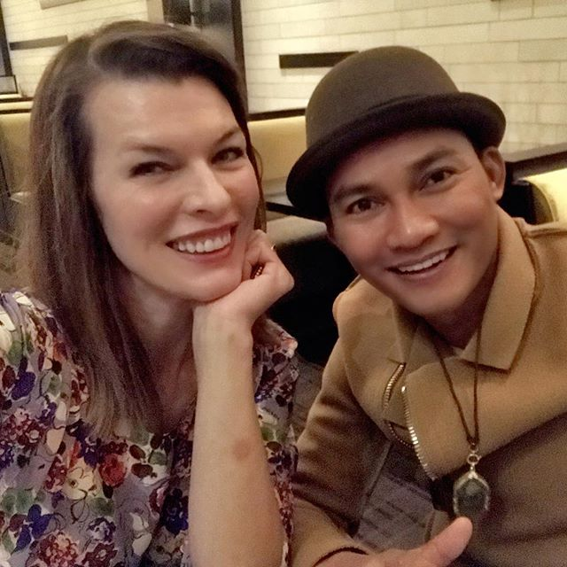 I am so thrilled to be working with this absolute badass right here @tonyjaaofficial! We had dinner earlier and I can t even tell you how sweet, humble and funny he is. And, being a professional dancer on top of everything, he does a killer Michael Jackson impersonation. Can t wait for Monday s fight rehearsal!!    #monsterhuntermovie #monsterhunterworld #capetowndiary