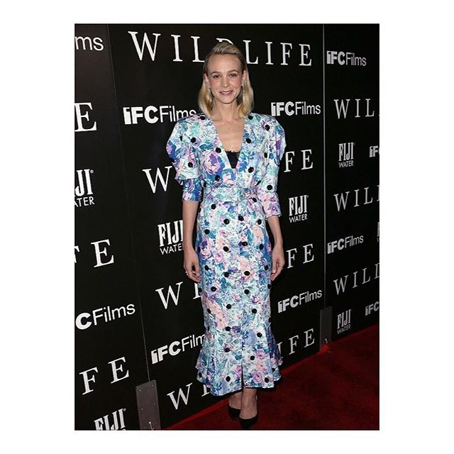 Actress #CareyMulligan wore a floral printed dress with black sequined dots from @The_Attico SS19 collection while attending the Los Angeles premiere for IFC Films Wildlife at ArcLight Hollywood. Styled by @PetraFlannery. #TheAttico #Wildlife #PetraFlannery #KOVIP #KarlaOtto