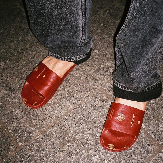 GERMAN PASSPORT SLIDES www.matchesfashion.com @matches_man
