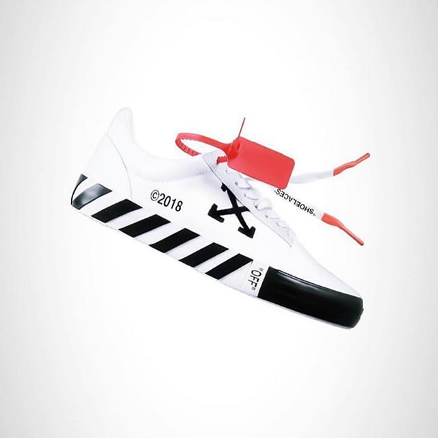 Off-White  low top  diagonal  sneaker   link in bio