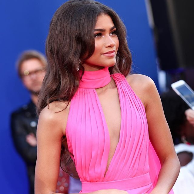Exclusive: @tommyhilfiger has tapped 22-year-old actress @zendaya to be his newest collaborator and together they will launch a see-now-by-now collection in February. Speaking to WWD about the project, the Spider-Man actress said:  Fashion is more than just wearing cool clothes. It s a way to celebrate self-expression and individuality, which is extremely empowering. This is why I am proud to partner with Tommy Hilfiger.  Tap the link in bio for the full scoop. #TommyXZendaya #wwdfashion