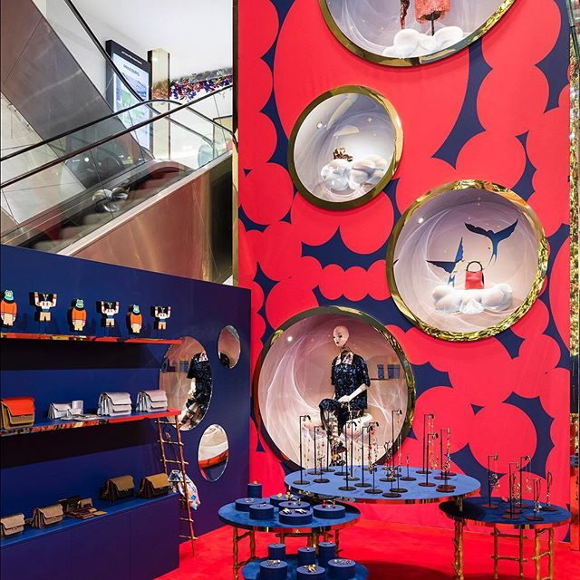 Tones of blue and red everywhere. The colorful universe of #Marni at the Atrium of Printemps Haussmann Paris. @printempsofficial