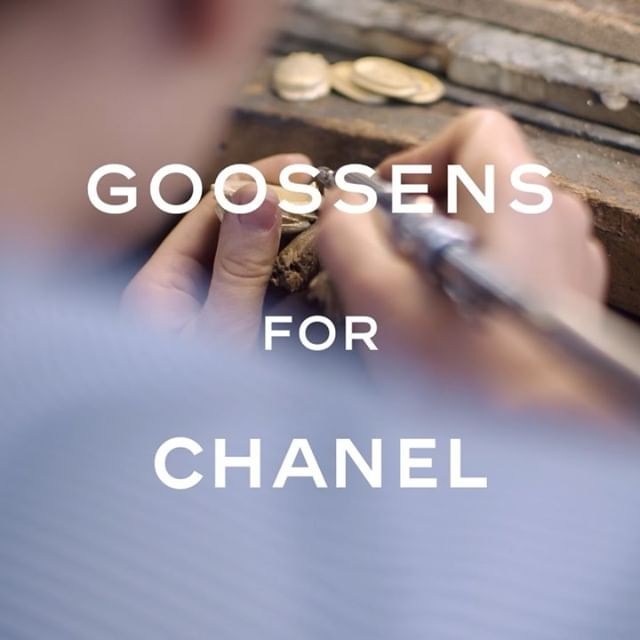 #Goossens brought their precious, decorative touch to the 2018/19 #CHANELMetiersdArt collection. Gabrielle Chanel's original jeweller has handcrafted jewellery, buttons and bold belt buckles in the form of scarab beetles. #CHANELinNYC #CHANEL @lineisymontero