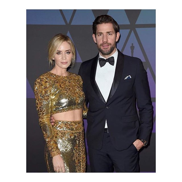Actress #emilyblunt wearing @dundasworld by @peter_dundas at @theacademy s #honoraryoscars. Styled by @highheelprncess. #dundas #dundasworld #peterdundas #evangelobousis #jessicapaster #kovip #karlaotto