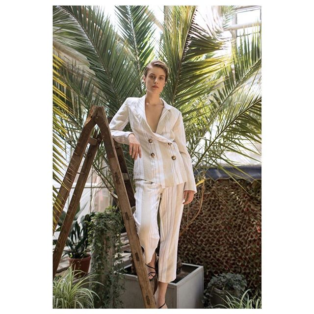 Linen suit from Resort 2019 collection   #annaoctober