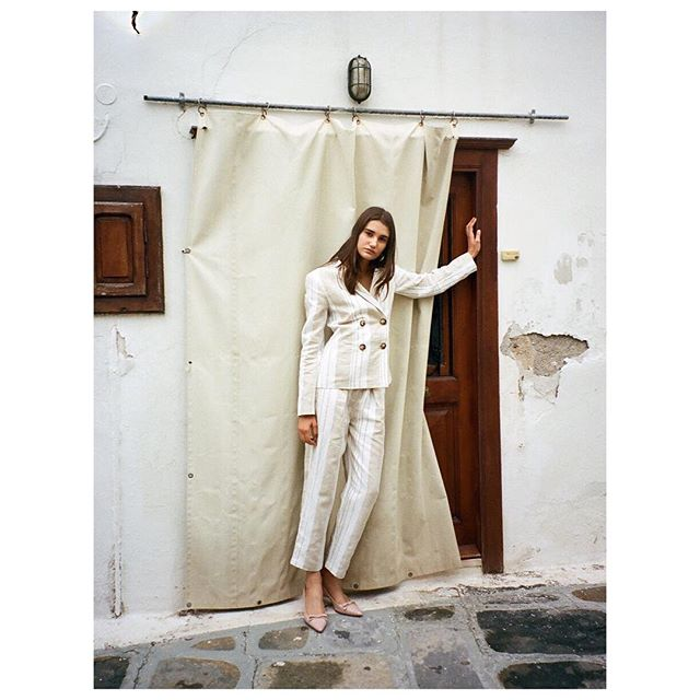 Linen suit from Resort 2019 collection soon at @shopbop  #annaoctober
