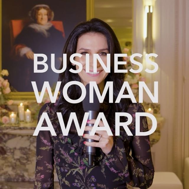 60 SECONDS ABOUT THE VEUVE CLICQUOT BUSINESS WOMAN AWARD  Take a look back at the 47th Business Woman Award presented by @veuveclicquot on November 15th, 2018.  What does it mean to be an entrepreneur? Is there a feminine way of being an entrepreneur? The Veuve Clicquot Business Woman Award and its impact in a few words? Nathalie Balla (@laredoute, Business Woman Award 2018), @shantybaehrel (@shantybiscuits, Prix Clémentine 2018), but also Hélène Boulet-Supau (@sarenza), @sarahponiatowskilavoine (@maisonsarahlavoine), Milie Taing (Lili ai) Caroline Hilliet-Le Branchu (@labelleiloise), Jean-Marc Gallot (@veuveclicquot), @druckermarie, @marinelorphelin_off and Camille Cottin, share their insights in just 60 seconds. _ #VeuveClicquotxWomen #VeuveClicquot #BusinessWomanAward #ellesVMH