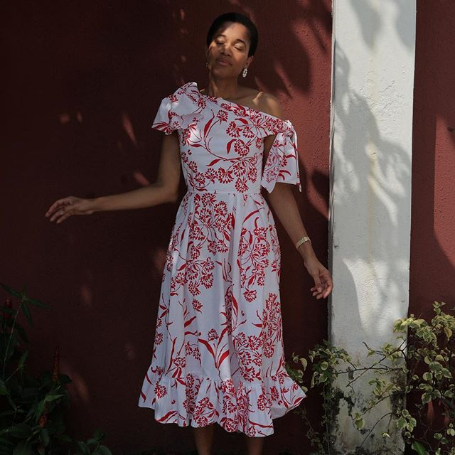 Here s my second post card from Lagos. Era of Herrera by way of @wesgordon s eclectic glamour and cotton dresses. @carolinaherrera Resort 2019 available now at @bergdorfs. Photographed by @lakinogunbanwo.