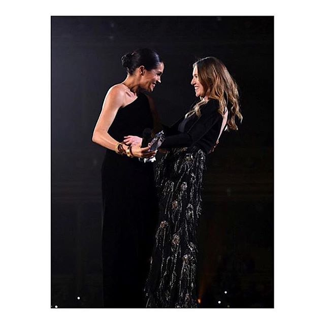 Congratulations to @ClareWaightKeller at @GivenchyOfficial for winning the British Designer of the Year Womenswear Award presented by The Duchess of Sussex at the 2018 @BritishFashionCouncil #FashionAwards. #ClareWaightKeller #Givenchy #BritishFashionCouncil #FashionAwards #KarlaOtto