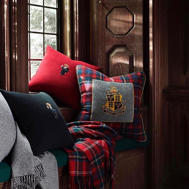 Time for Christmas gifts    @ralphlaurenhome @villa_interior_company