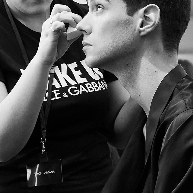 The skilled hands of the MKS Milano students prepare the models with their Make Up before the #DGFATTOAMANO Show. #DGMenFW20 #DolceGabbana