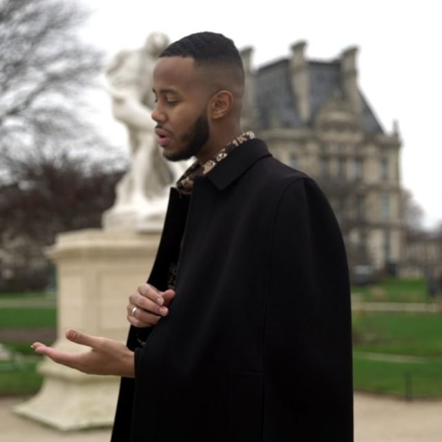 in conversation with @MustafaThePoet:        For true love has a rhythm you can t stop and play...       The singer @TaminoAmir, the dancer @MarcMoreau, the street artist @ThisIsLudo and the poet @MustafaThePoet add their own point of views to the city of Paris before the show.       Men s Fall/Winter 2019-20 Show   Today at 5:30 PM CET   Paris