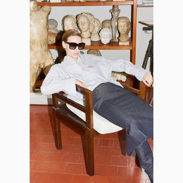 Love the bold, chunky black Bevelled square with vintage tips! Inspired by the modernist approach to art nouveau style favoured by sculptor #DoraGordine and shot at the @dorichhousemuseum, Gordine's former studio home and an international centre to promote and support women creatives. x VB #VBEyewear