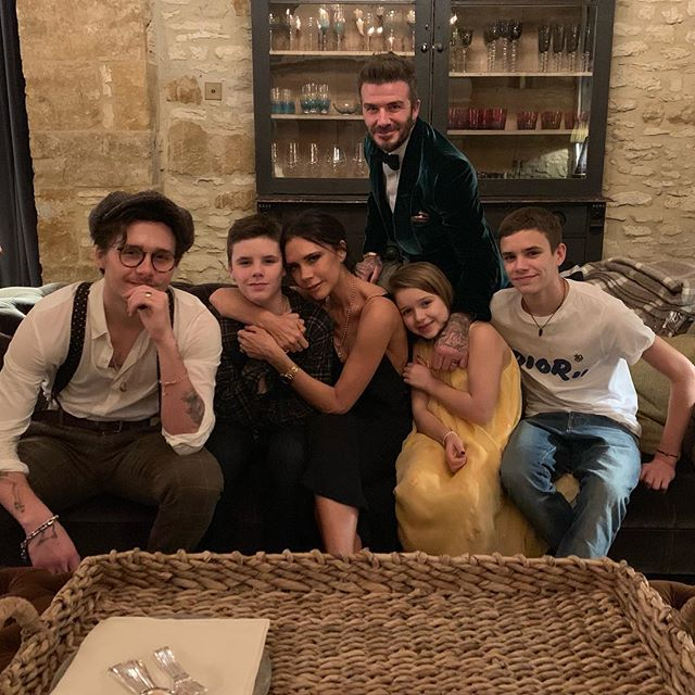 Happy New Year from us all    @victoriabeckham @brooklynbeckham @romeobeckham @cruzbeckham #harperseven