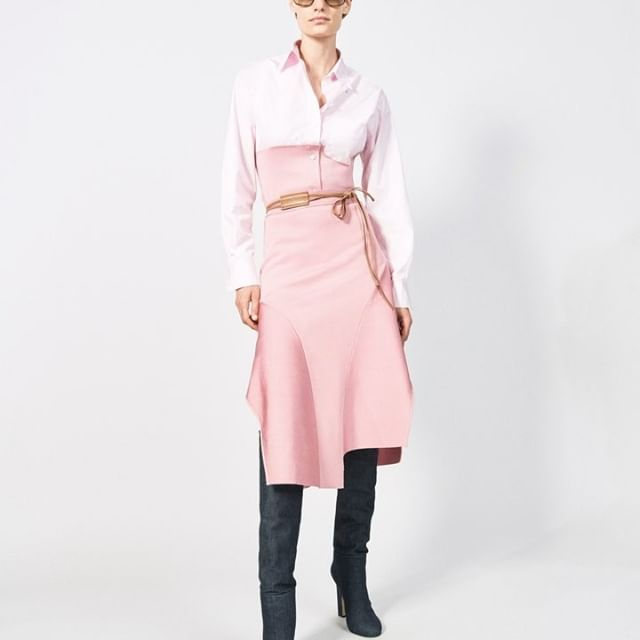 Love this modern approach to colour! The classic shirt is updated with tonal pinks, cinched at the waist and paired with the knitted flare skirt in a soft blush. Online now at the link in bio xx VB #VBPreSS19