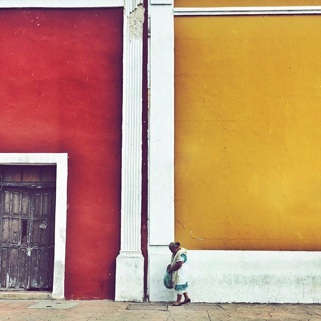 Mamá   . #mexico #colors #grandma #abuela #lady #walls #façade